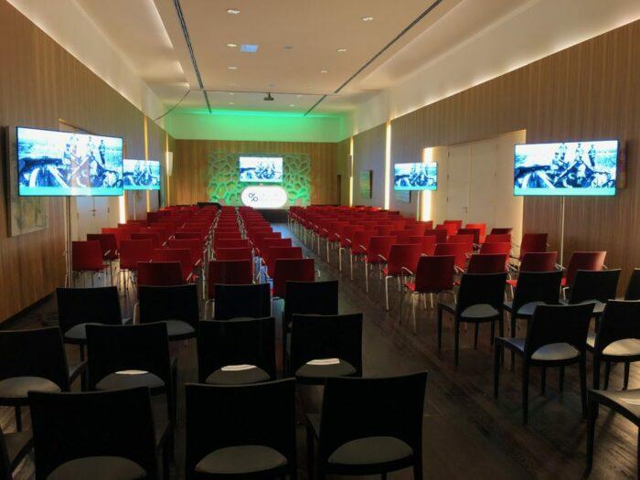 Dali wimec events eventverhuur AV vergaderen meeten hybrid personeelsfeest receptie vergaderen vergaderruimte turnhout Beerse Geel Tilburg breda roermond maastricht 23
